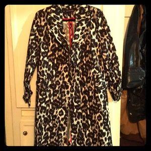 SALE‼️ Leopard print trench coat